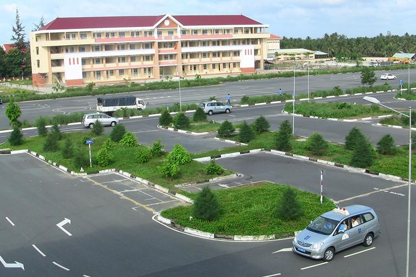 Học lái xe ô tô Đà Nẵng