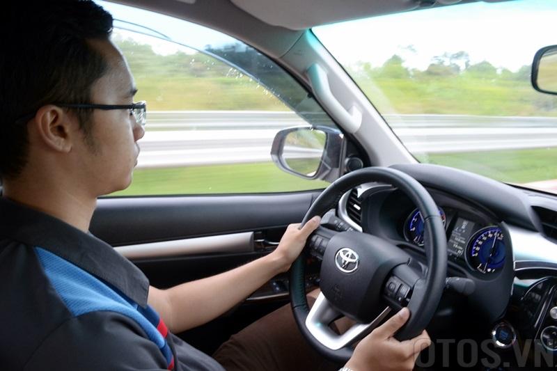 Tuổi được học bằng lái xe ô tô