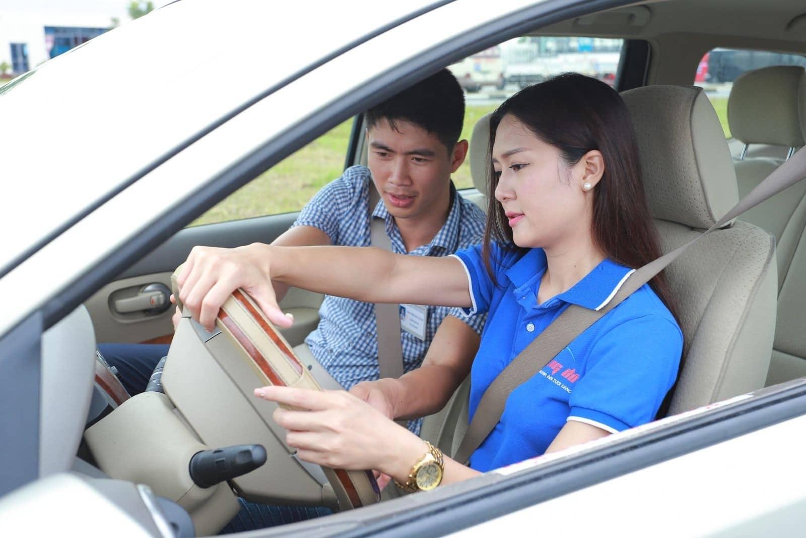 Học lái xe ô tô Huyện Hoàng Sa